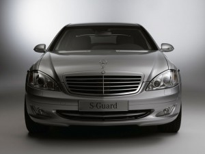 mercedes_guard